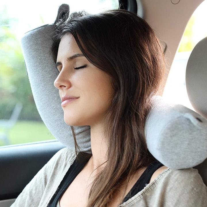 twist Travel Pillow